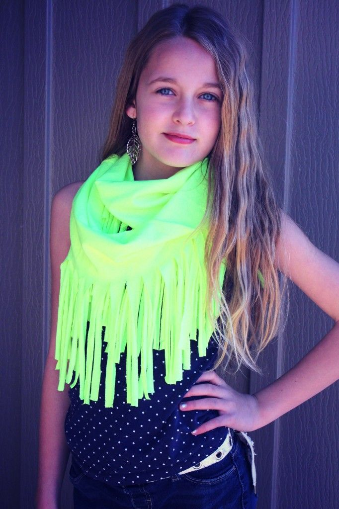 neon t-shirt scarf no sew- the color is a bit of an eyesore for me but the color probably doesn't matter anyways