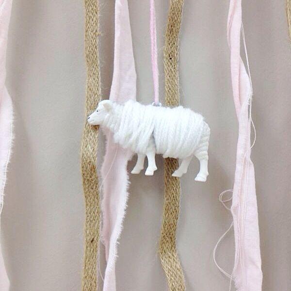Hangers bedenken en uitwerken voor de workshops voor babyshowers! www.vanonzetafel.nl