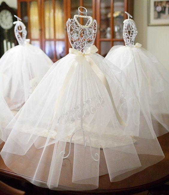 Pinterest the world s catalog of ideas Wedding dress vase