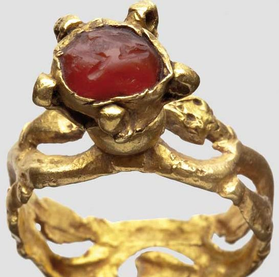 Gold ring with jasper gem, byzantine, 5/6 Century. AD