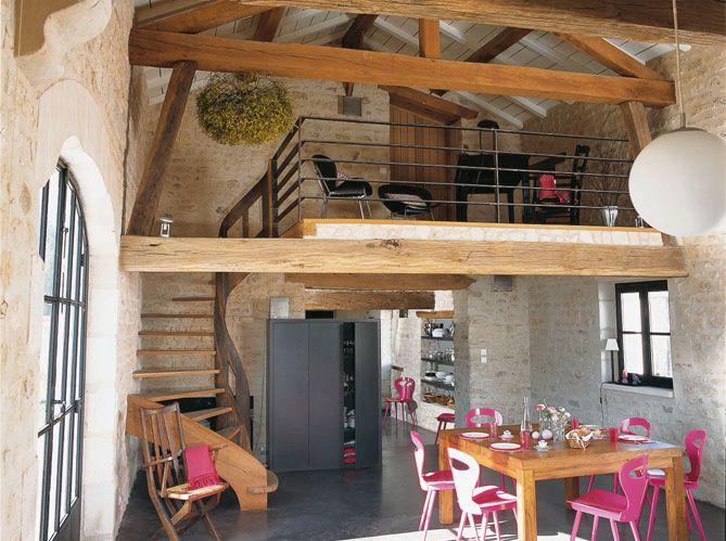 Un long chantier de rénovation a transformé une ferme tourangelle du XVIIIe siècle en une...
