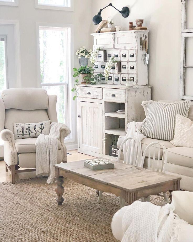 21 Best Farmhouse Living Room Decorating Ideas Farm House Living Room Living Room Decor Neutral Chic Home Decor #white #farmhouse #living #room