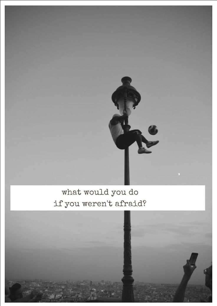 what would you do if you were not afraid ?  Quote Zitat Spruch Paris Angst scared motivation motivational France Sacre Coeur Fußball Trick keine Angst ohne Angst without anxiety Straßenkünstler Postkarte postcard englisch english