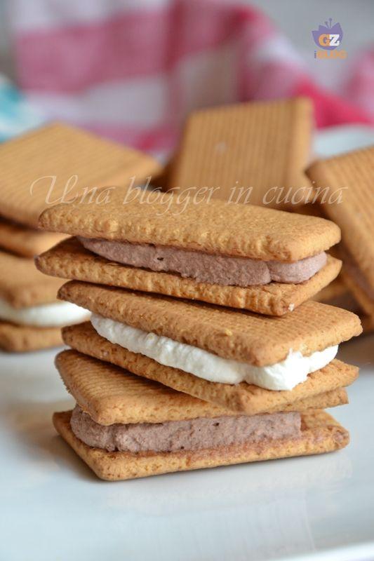 Biscotto gelato mignon, panna e cioccolato