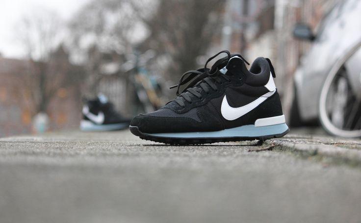 Nike Wmns Internationalist Black White - 683967-002