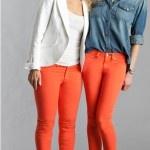 Look do Dia = Calça Vermelha + Blazer Branco ou Camisa Jeans
