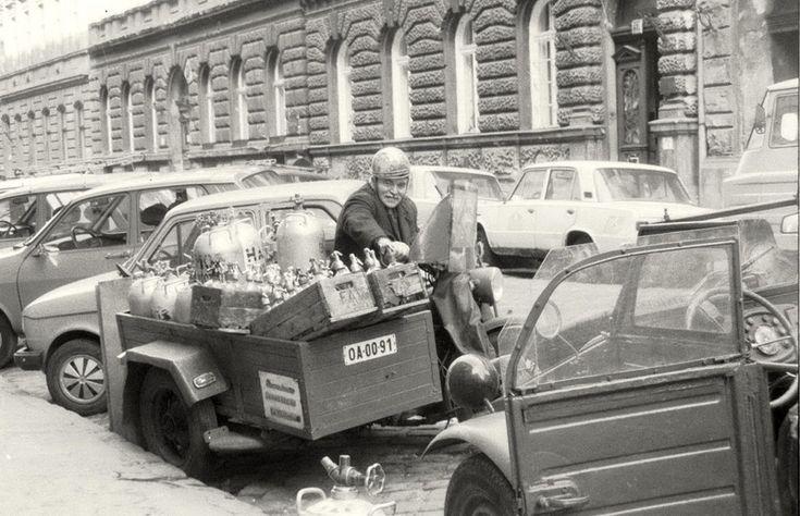 Budapest, VI. Eötvös utca 42. - dr. Harmos Sándor szikvízkészítő mester - 1982-3? by Lábass Endre - PhotoBlog