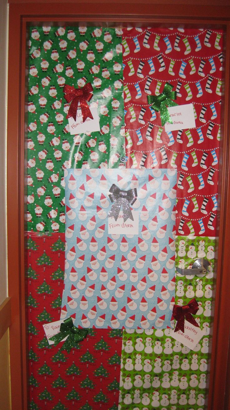 1000 ideas about dorm name tags on pinterest binder for How to decorate apartment door for christmas