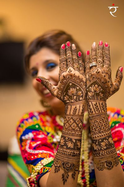 Mehendi Designs - Beautiful Bridal Intricate Mehendi Design | WedMeGood  #mehendidesign #wedmegood #indianbride #indianwedding #mehendi #mehandi #henna #tattoo # bridal #lotus #caricatures #handmehendi