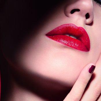 GIORGIO ARMANI要顛覆大眾女性認為非亮面唇膏不夠柔滑、滋潤,令唇部乾澀的刻板印象,將要在今年11月初推出新品...