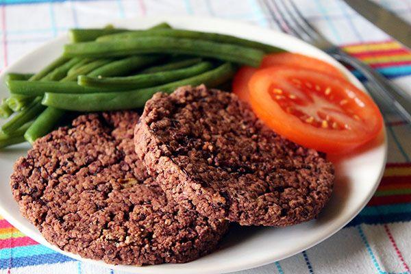 Per adulti e bambini: burger di fagioli rossi http://bit.ly/1Ecssn5 #cucina #ricette #tutorial