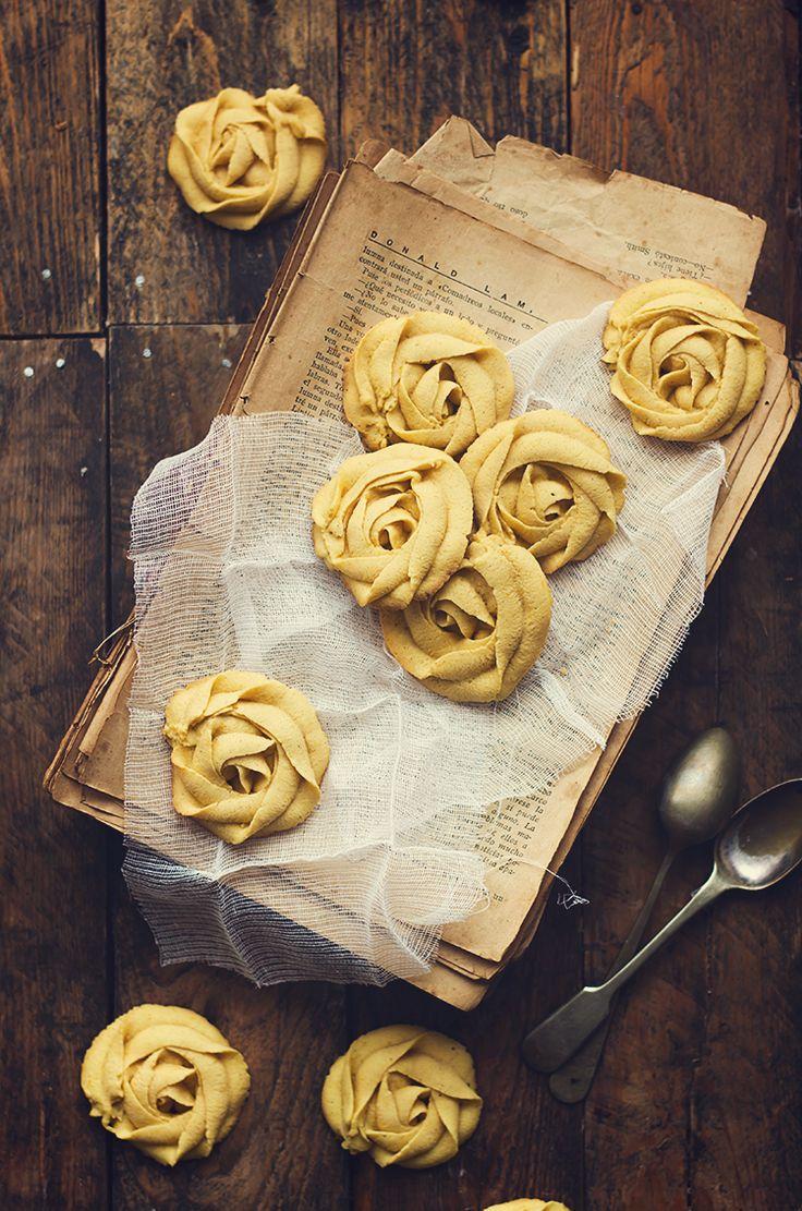 Finas, elegantes, delicadas, riquísimas y fáciles. Son los adjetivos que se me ocurren para definir a estas galletas que enamoran a la ...