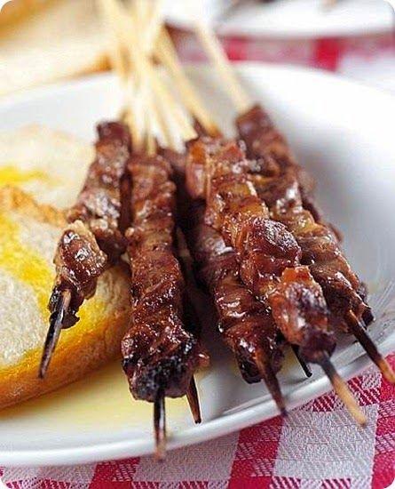 Arrosticini spiedini di carne di pecora tipici della for Abruzzese cuisine