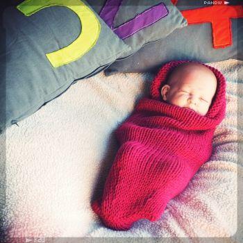 des modèles de tricot faciles, des kits pour tricoter une écharpe, des couvertures bébé et des snoods - Peace and Wool