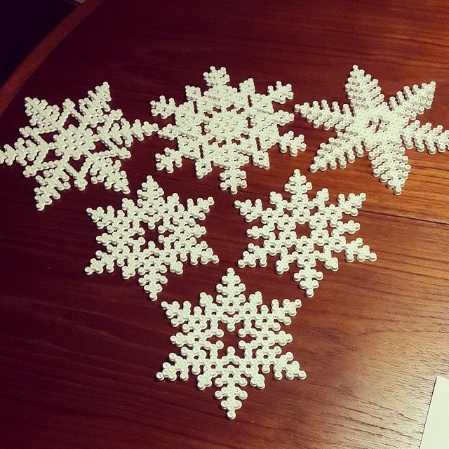 Snowflakes Hama beads by homebyjensen