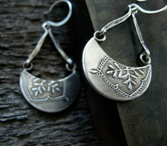love these crescent shaped earrings with the embossed leaves