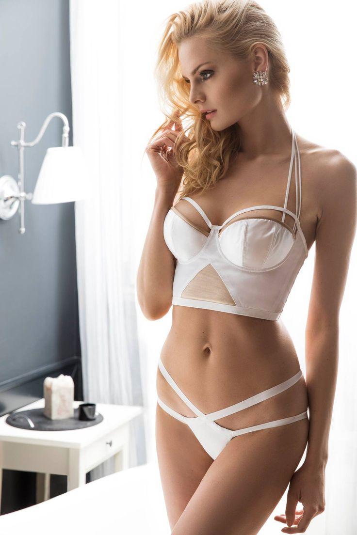 Bouduar - bielizna ślubna szyta na miarę w każdym rozmiarze. Idealnie dopasowana do każdej sukienki ślubnej.
