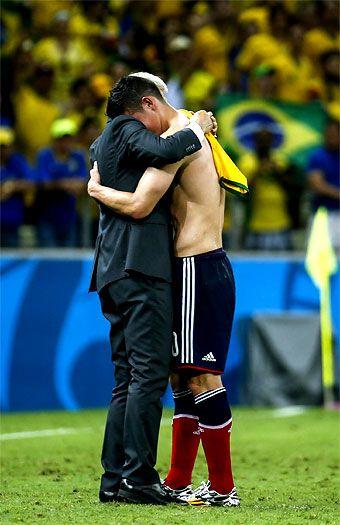 """""""Este equipo hizo que se valore el fútbol de Colombia"""": José Pékerman El seleccionador nacional de #Colombia, el profesor José Pékerman, ofreció su última conferencia de prensa después de un partido en el #MundialdeBrasil2014"""