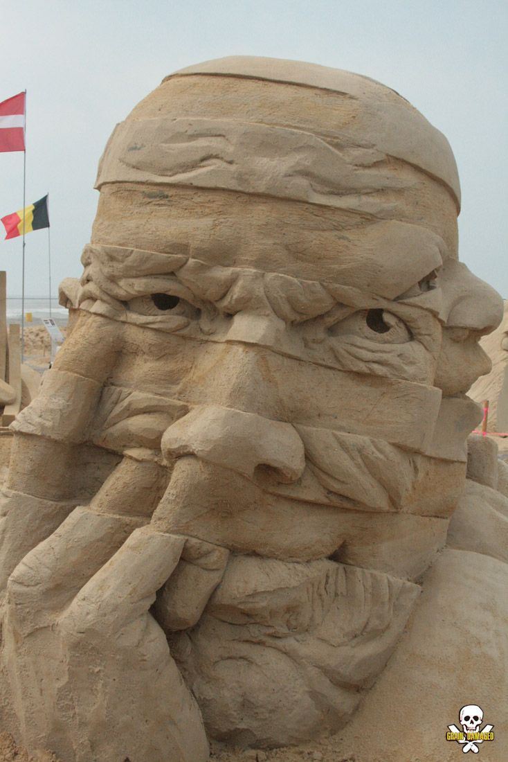 Incredible Sand Sculptures by Carl Jara..... oh this is sooooooooo Awesome.... have i ever been so mind twisted?!!!!!