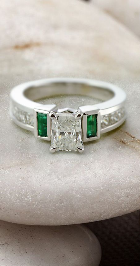 【Jewelry in My Box】https://www.bkgjewelry.com/ruby-rings/120-18k-yellow-gold-diamond-ruby-ring.html Parallel Grid Ring || Radiant Cut Diamond Side Stone Ring With Green Emerald In 14K White Gold