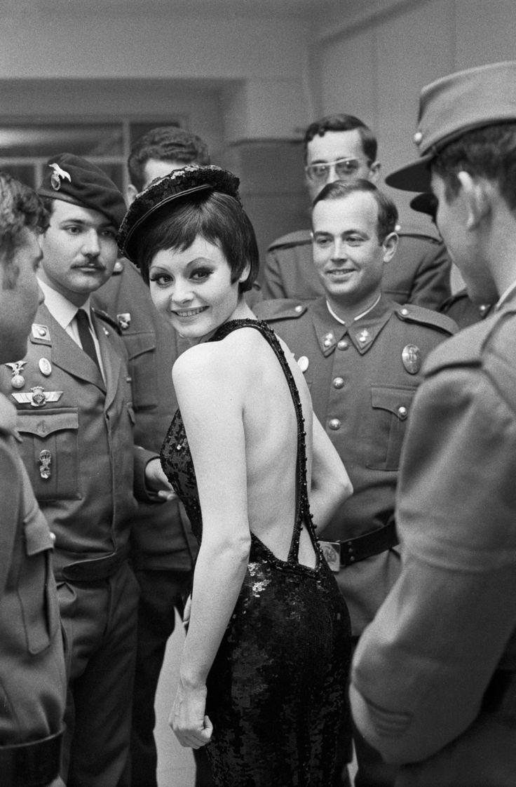 Marisol en rodaje de Las Leandras.1969 copyright Joana Biamés