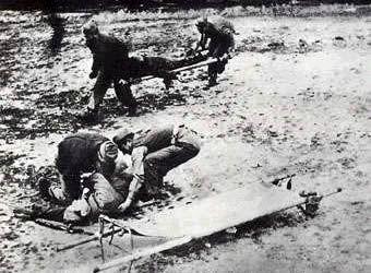Spain - 1938. - GC - camilleros en el frente del Ebro