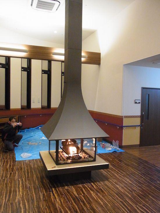 フードタイプ薪暖炉ジュリエッタ 985 センターモデル ガラス付き