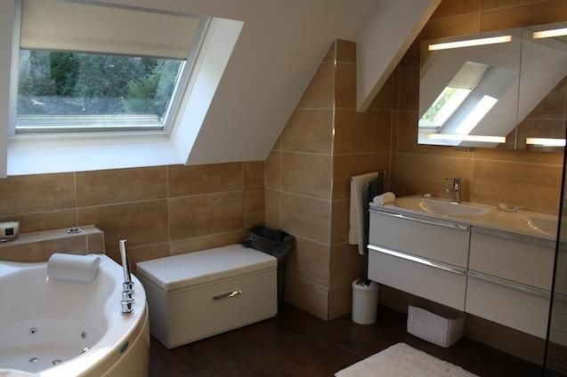 salle de bains sous combles home pinterest. Black Bedroom Furniture Sets. Home Design Ideas