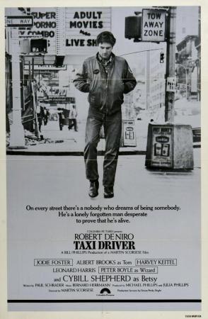 Director: Martin Scorsese | Reparto: Robert De Niro, Cybill Shepherd, Jodie Foster | Género: Drama | Sinopsis: Para sobrellevar el insomnio crónico que sufre desde su regreso de Vietnam, Travis Bickle (Robert De Niro) trabaja como taxista nocturno en Nueva York. Es un hombre insociable que apenas tiene ...