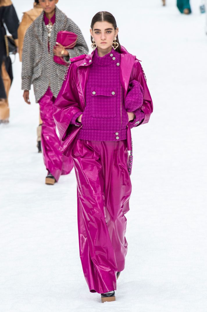 17 Must-See Looks from Karl Lagerfeld's Last Chanel Runway Show – Yvonne Holowell