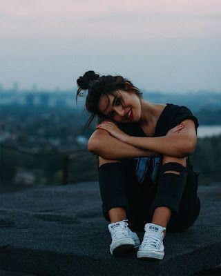 Teen posiert für Instagram Fotos und Tumblr – #Fo… – #Fo #Fotos #für #Instag