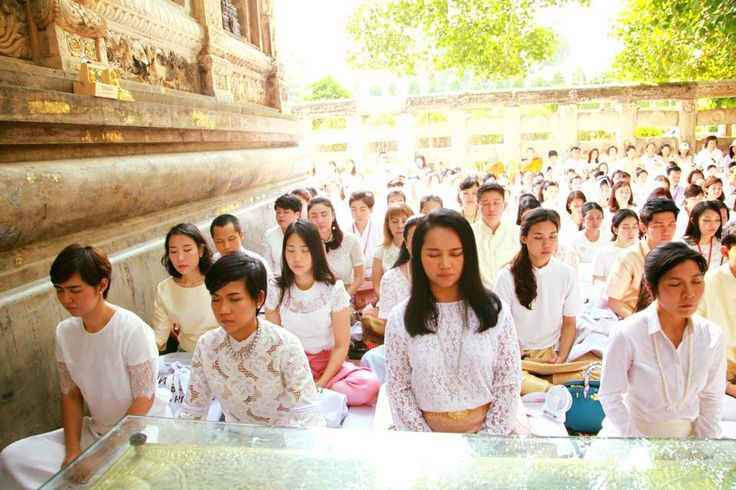 A farewell merit for King Bhumibol Adulyadej at Bodh Gaya; Maha Bodi Temple India: Master DDnard together with her students had paid their respects to our beloved King.