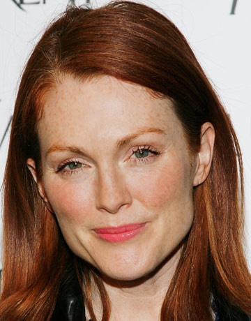 Julianne Moore--- Our hair is like the same color red... beautiful!