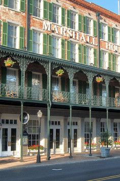 Experience historic charm, Southern hospitality, unprecedented convenience and the latest amenities at the oldest and best of Savannah hotels — The Marshall House,Savannah's oldest hotel.  Original features of this historic hotel in Savannah include authentic nineteenth-century doors, windows, railings, moldings and high ceilings. Some rooms have antique clawfoot tubs and some rooms have access to a wrought-iron balcony re-constructed to replicate the building's original veranda of the early…