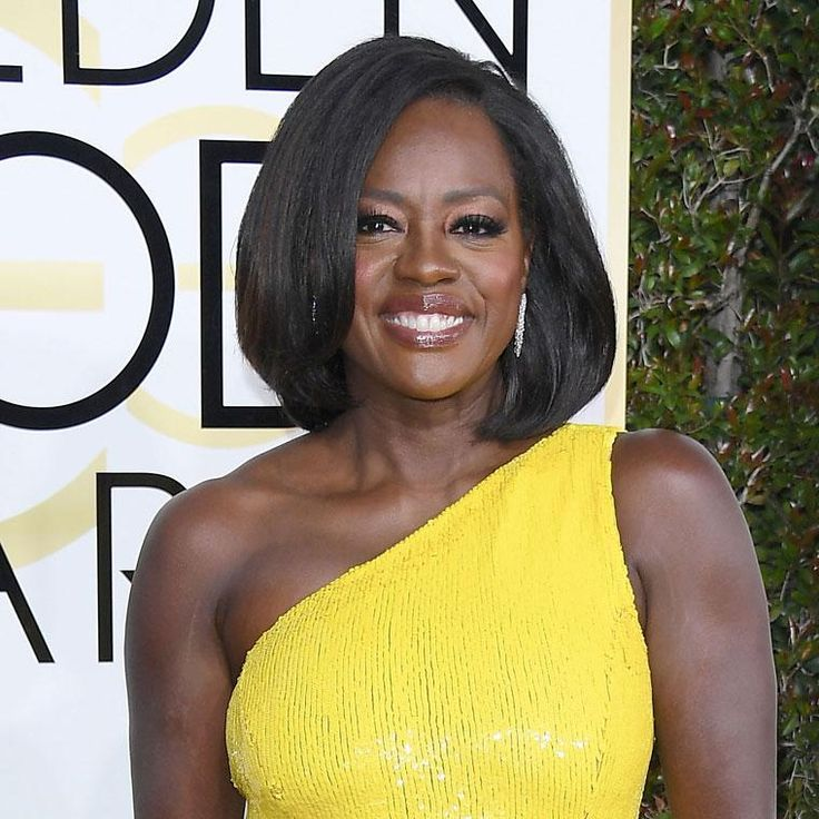 Viola Davis attends the 74th Annual Golden Globe Awards wearing Harry Winston Diamonds. Discover the best jewellery red carpet celebrity looks from the 74th annual Golden Globe Awards: http://www.thejewelleryeditor.com/jewellery/article/golden-globes-red-carpet-jewellery-edit/ #jewelry