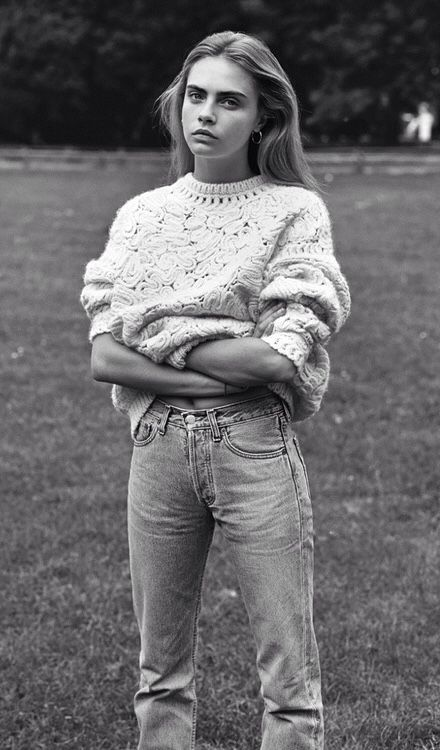 Knit & denim. Cara Delevigne is too perfect