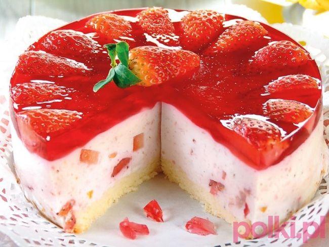 tort jogurtowy z truskawkami przepis, przepis na tort jogurtowy z truskawkami, jak zrobić ciasto jogurtowe z truskawkami