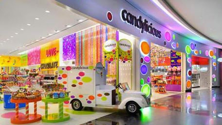 Go to world 39 s biggest sweet shop in dubai candy store for Best boutiques in the world