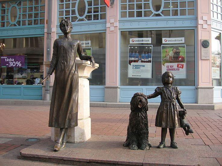 Hungary - Szeged, Kárász Street,  #Statue