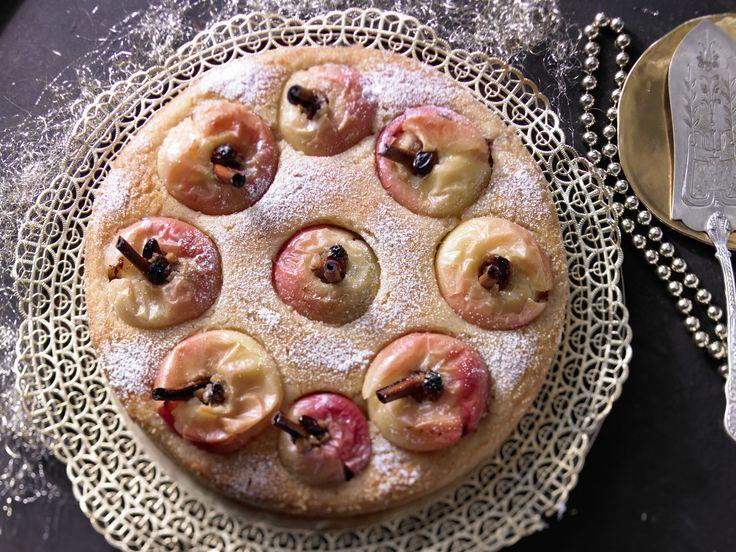 Bratapfelkuchen - mit Grieß-Joghurt-Teig - smarter - Kalorien: 284 Kcal - Zeit: 40 Min.   eatsmarter.de