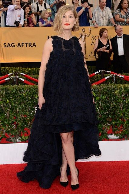 SAG Awards 2015 - Rosamond Pike in Dior Couture