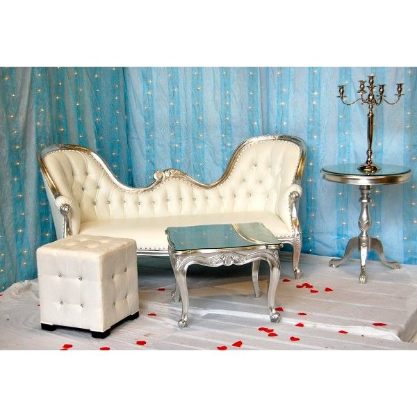 Location trone marié (argent et blanc single end) http://www.location-mobilier-paris.com/trone-a-louer/1861-location-trone-marie-argent-et-blanc-single-end.html #decoprive #decoration #mariage