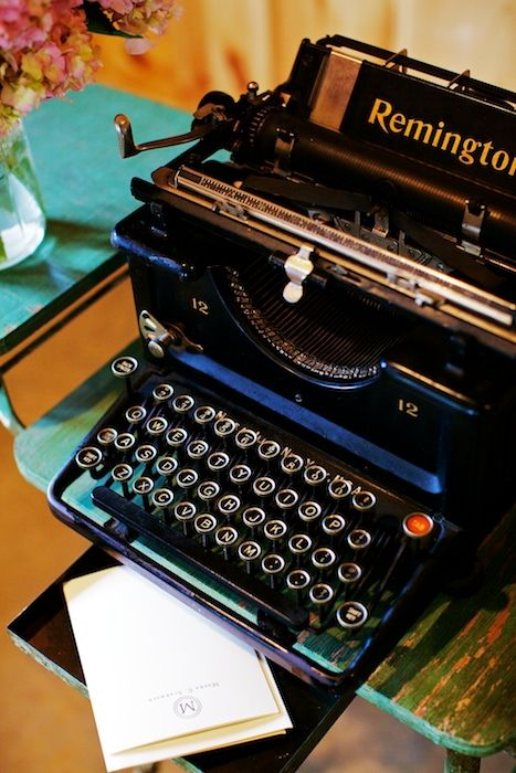LOVE antique Remington typewriter.