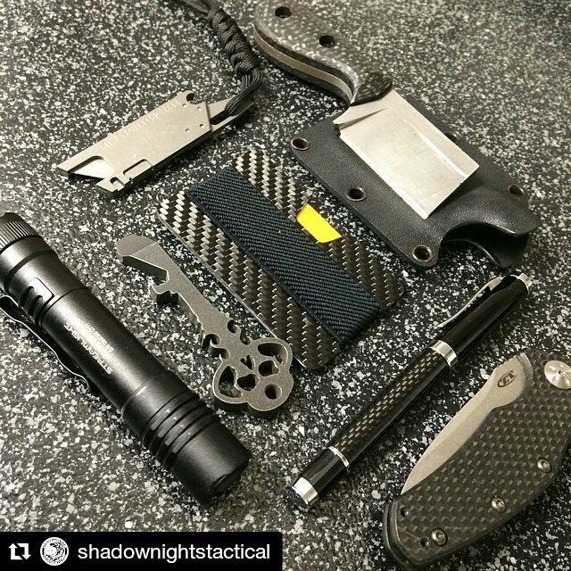 """Polubienia: 130, komentarze: 1 – Elephantwallet (@elephantwallet) na Instagramie: """"Photo by @shadownightstactical and excellent set with #nwallet #carbonfiber  In our shop ⤴ ⤴ ⤴  We…"""""""