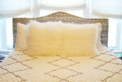 homemodernMoroccan-Wedding-Blanket-DIY-1024x688