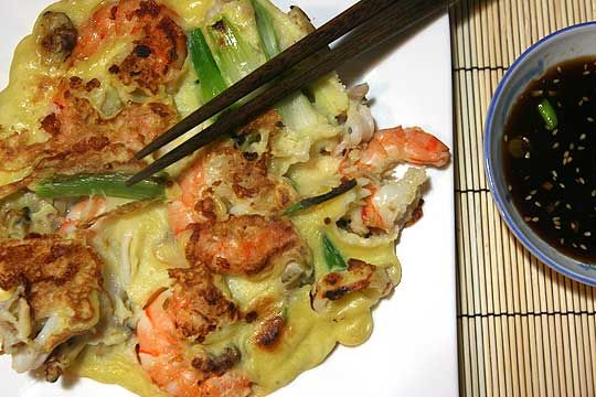 haemul pajeon (seafood pancake)Korean Food, Korean Pancakes Recipe, Haemul Pajeon, Korean Seafood Pancakes, 2010 04 21 Seafood Pancake Jpg, Food Korean, Korean Recipe, Short Ribs, Pancakes Haemul