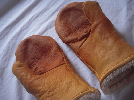 Leather Mittens Lined with Sherpa Fur Size Large Beautiful Honey Brown Spring Clearance