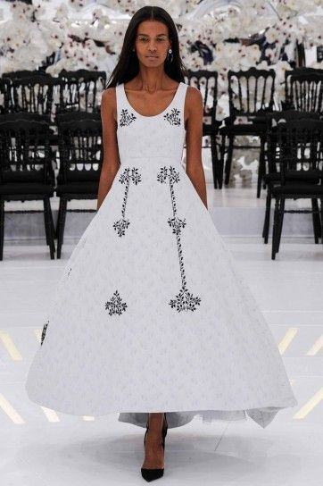 Abito Dior - Dior, collezione haute couture autunno inverno 2014 2015, abito con dettagli a contrasto.