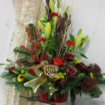 113 Best Christmas Flower Arrangements Images On Pinterest
