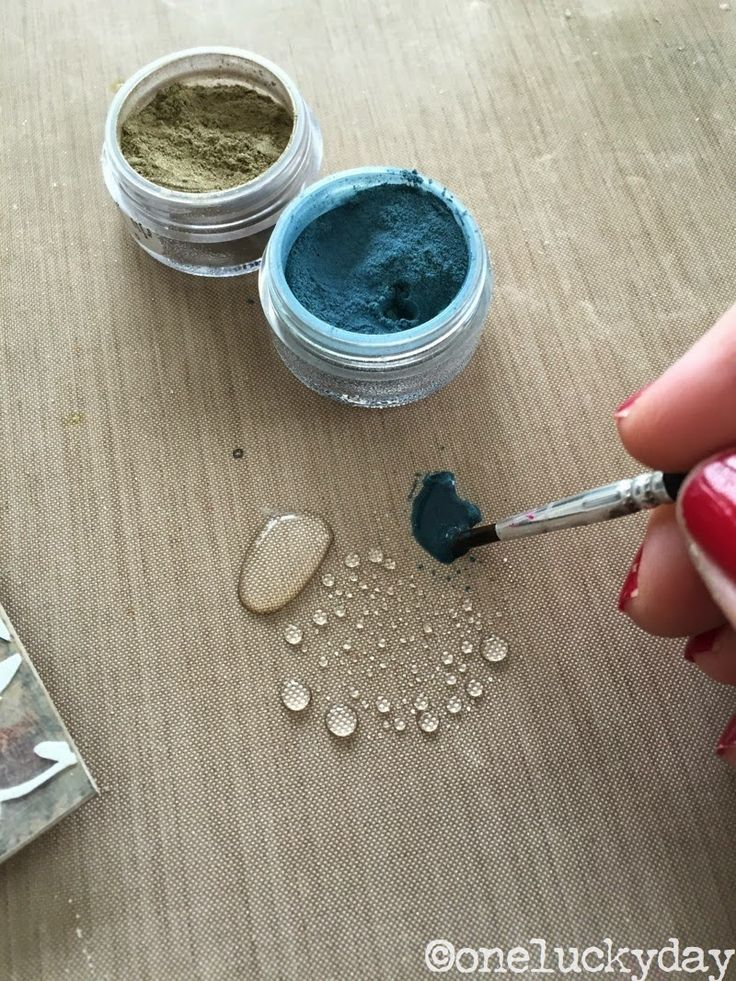 Using Perfect Pearls to paint a stenciled texture paste background at One Lucky Day with Paula Cheney, gorgeous!